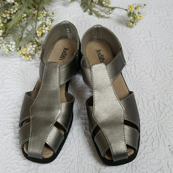 60f19bab5 Judith Rosemariy Fisherman Sandals